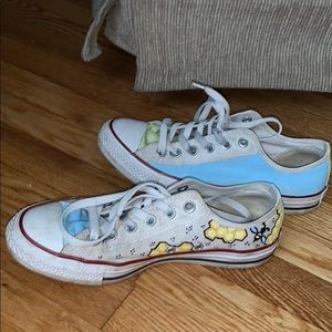 Hand painted converse low tops!